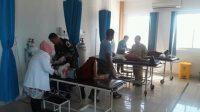 Suasana siswa mendapatkan perawatan