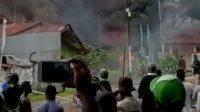 Gedung DPRD di Papua Dibakar Massa