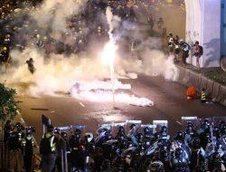 Jurnalis Asal Indonesia di Hong Kong Tertembak Peluru Karet Saat Bertugas