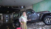 Wow! YouTuber Ria Ricis Beri Hadiah Mobil ke Ayah, Segini Harganya