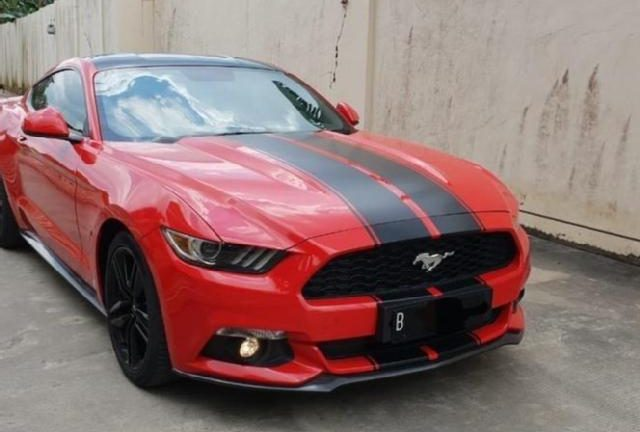 Jiwa Miskin Meronta, Emak-emak Pakai Mobil Mustang EcoBoost