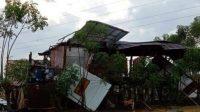 puluhan rumah rusak diterjang angin puting beliung di Sidrap