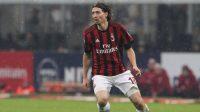 Mantan gelandang AC Milan Riccardo Montolivo mengumumkan pensiun (Foto: Marco Luzzani/Getty Images)