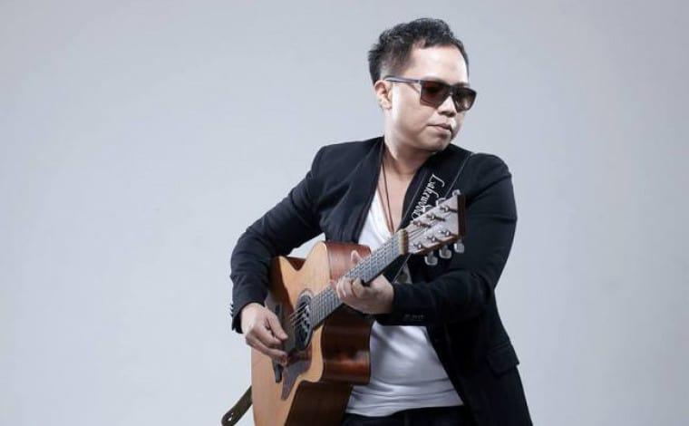 Kejamnya Netizen, Penyanyi Sandoro Keciduk Retweet Film Video di Twitter