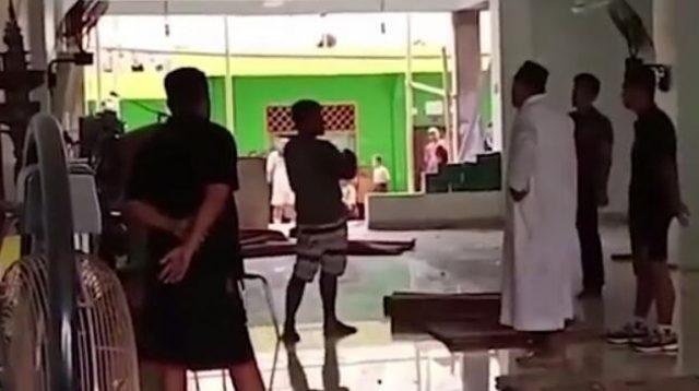 VIRAL!! Pria di Pinrang Sekap Remaja Putri Hingga Ngacak-ngacak Fasilitas Masjid