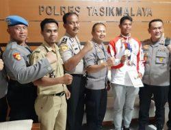 Sumbang Dua Medali Emas untuk Indonesia, Atletik Ini Pulang Kampung Naik Angkutan Umum