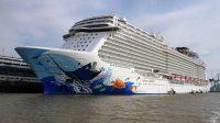 Kapal Pesiar Tabrakan di Lepas Pantai Karibia