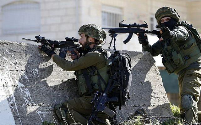 Mobil Militernya Dilempari Bom, Tentara Israel Tembaki Satu Orang Warga Palestina