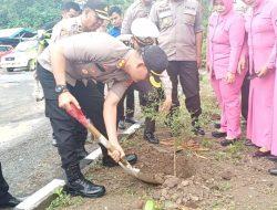 Demi Menjaga Kelestarian Lingkungan, Polres Jeneponto Tanam 1.500 Pohon