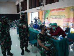 Personil TNI dan PNS Jajaran Korem 061/SK Laksanakan Vaksinasi Massal