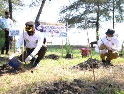 Cegah Abrasi,  Polres Batang Tanam 60 Ribu Mangrove Sepanjang Pesisir Pantai