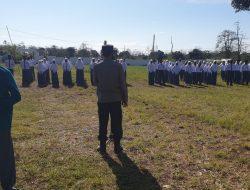 Kasat Res Narkoba Polres Jeneponto Bertindak Sebagai IRUP Penaikan Bendera di SMK 10 Jeneponto