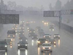 Warga Indonesia Diminta Waspada Cuaca Ekstrem Bakal Hantam di 21 Wilayah Ini